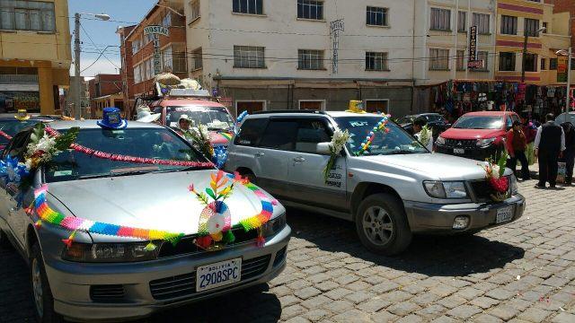 Baptême de voitures - Copacabana - Bolivie