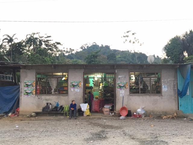 Epicerie - Salvacion - Jungle manu - Amazonie - Pérou