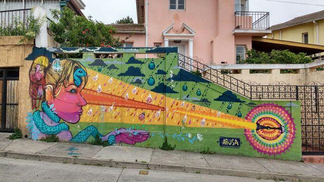 Valparaiso - street art graffiti - Abusa - Chile