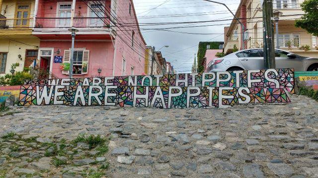 Valparaiso - street art graffiti - we are happies - Chile
