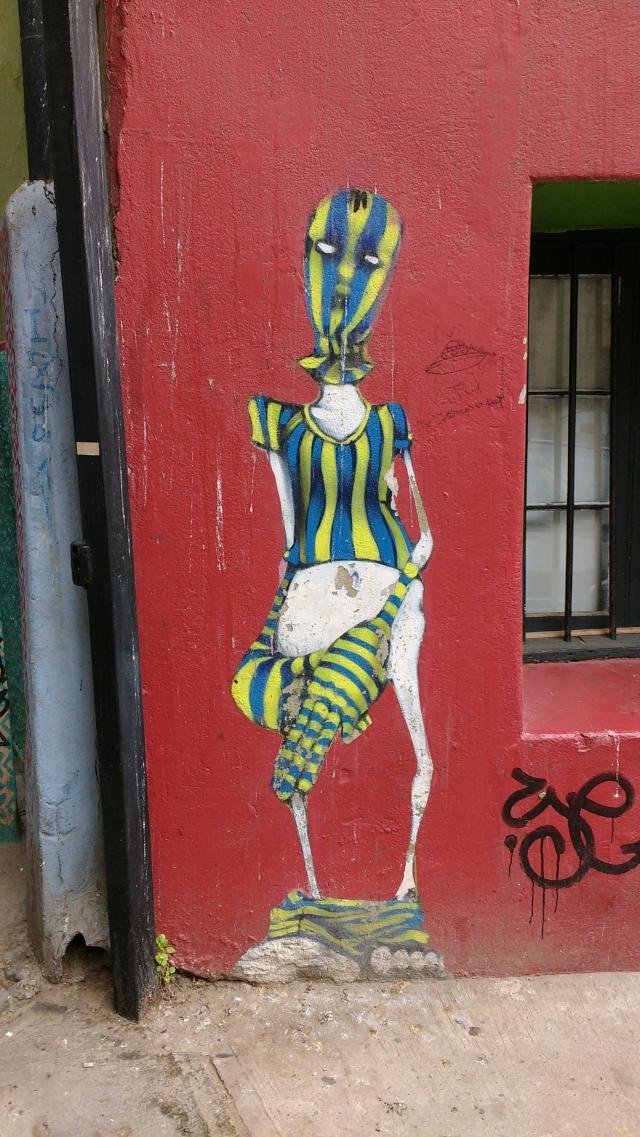 Valparaiso - street art graffiti - Inti - Chile