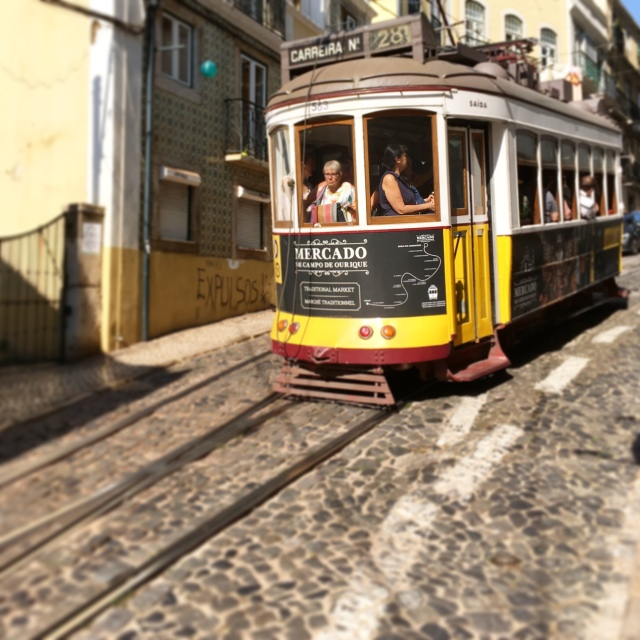 Lisbon_Portugal_tram 28